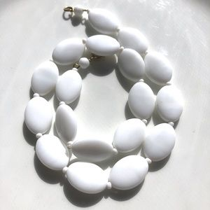 """Vintage Glass Bead Choker Necklace 16"""" White"""